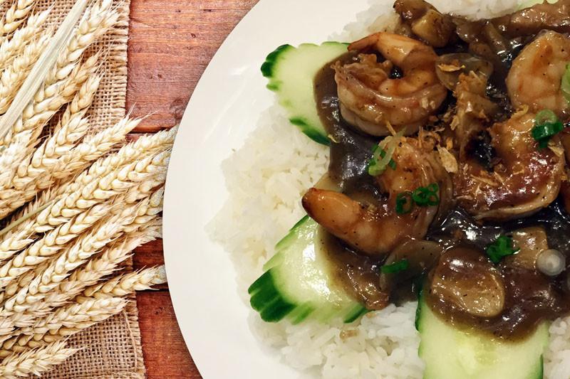 Garlic Shrimp - Basil Rice | Thai food Brookline