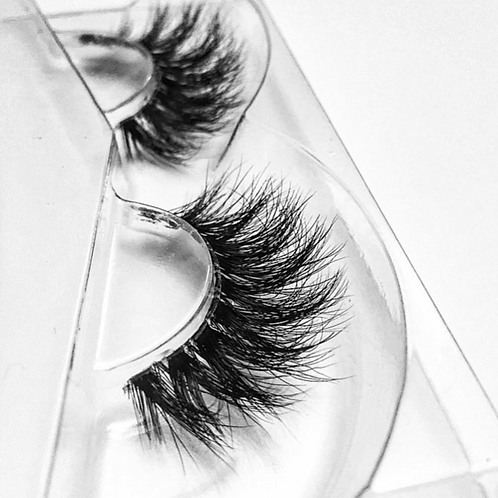 "Siberian Mink Lashes in Style: ""Classy Chique"""