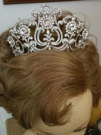 Crystal tulip tiara