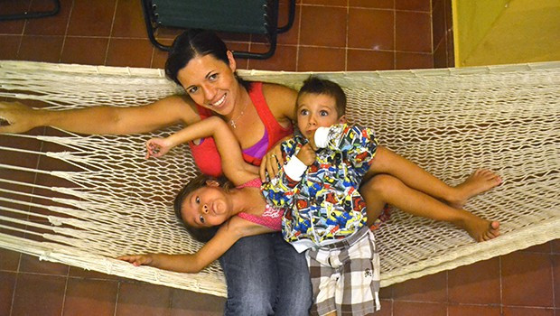 paz-abe-lupita-hammock-620x350.jpg