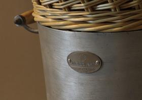 Workshop-artisan-moldavie-vannerie-déchet-décharge-upcycling-récupération-détournement-valorisation-moldavenir-créativité-conception-création-fabrication-mobilier-décoration-sur-mesure-moderne-design-contemporain-Paris-Nantes-jdds-julien-devaux-designer-concepteur-créateur