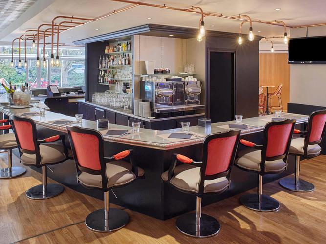 luminaire-plafonier-conception-création-fabrication-agencement-aménagement-mobilier-meuble-sur-mesure-cuivre-architecture-intérieur-moderne-design-contemporain-Paris-Nantes-hotel-mercure-roissy-jdds-julien-devaux-designer-concepteur-créateur