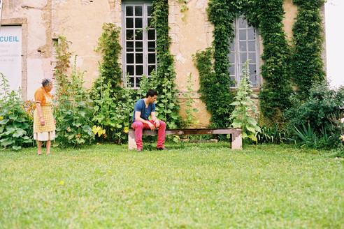 arcade-château-assises-banc-pierre-bois-chêne-conception-création-fabrication-mobilier-urbain-sur-mesure-extérieur-moderne-design-contemporain-Paris-Nantes-jdds-julien-devaux-designer-concepteur-créateur