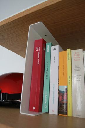 Meuble-bureau-étagères-rangement-placards-caissons-portes-coulissantes-conception-création-fabrication-agencement-aménagement-mobilier-sur mesure-latté-chêne-acier-métal-thermolaqué-intérieur-moderne-design-contemporain-Paris-Nantes-appartement-maison-salon-jdds-julien-devaux-designer-concepteur-createur