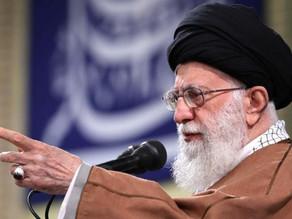 علی خامنهای دستور به ساخت کلاهک اتمی داده است