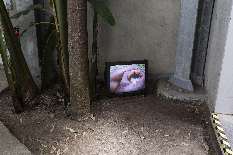 """Provisory Object 03"" Edith Dekyndt, 2004"