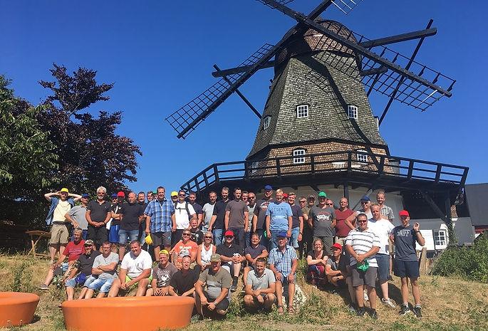 SpencerHede arrangerer firmaevents i Mols Bjerge. Det er kun 30 kilometer fra Aarhus, og alligevel minder det mest om Toscana. Lad os give jer et forslag til et arrangemet