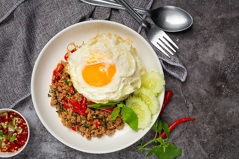 basil-minced-pork-with-rice-fried-egg.jpg
