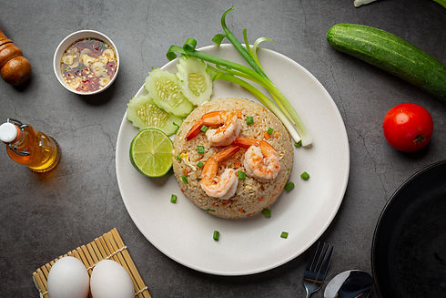 american-shrimp-fried-rice-served-with-chili-fish-sauce-thai-food.jpg
