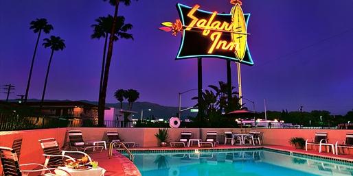 Safari Inn pool