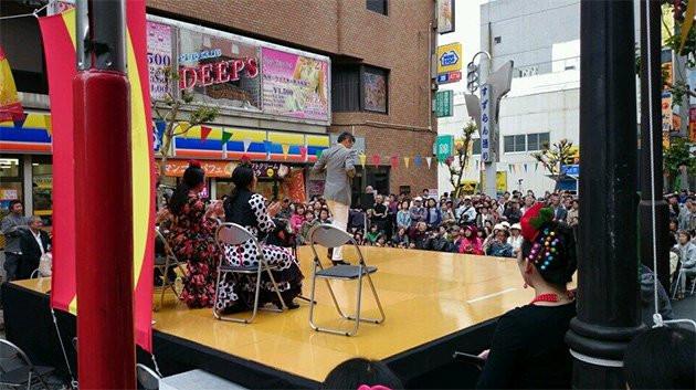 Miles de personas participan en el festival Tachikawa Flamenco 2014
