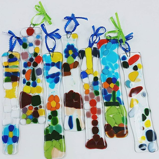 Look at this beautiful group of suncatchers made at a birthday party last weekend! We love them!! Happy birthday, Zoe! #glassfusing #suncatc