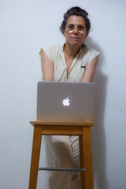 דפנה טלמון - צילום עצמי 1.jpg