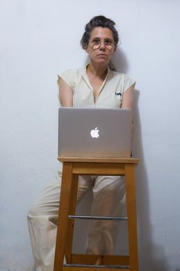 דפנה טלמון - צילום עצמי.jpg