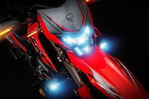 Xeverus PRO XR2 Roja D5.jpg