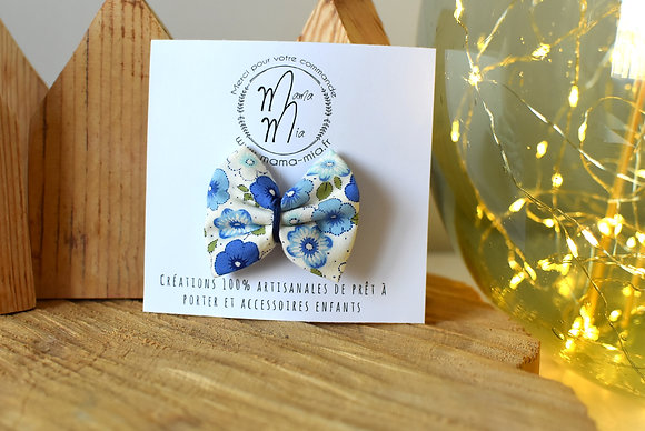 Barrette grosses fleurs bleues