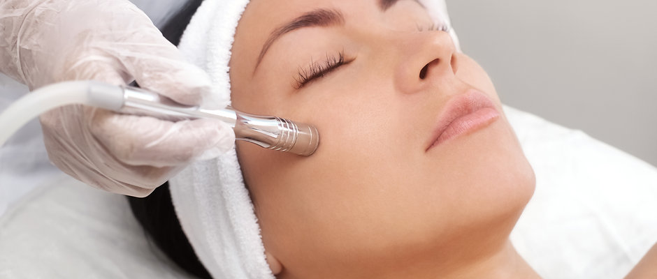 "Moisturizing Facial ""Absolute new skin"" with or without Microdermabrasion from"