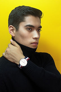 analog-watch-attractive-boy-1578531.jpg