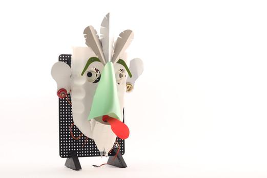 OPSORO robot: Tiki Trash