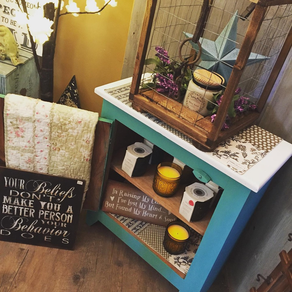 Battery Operated Candles, Lanterns & Side Table