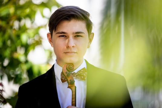 Maxim Tzekov, Violin