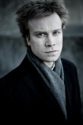 Andrej Kasik, Piano