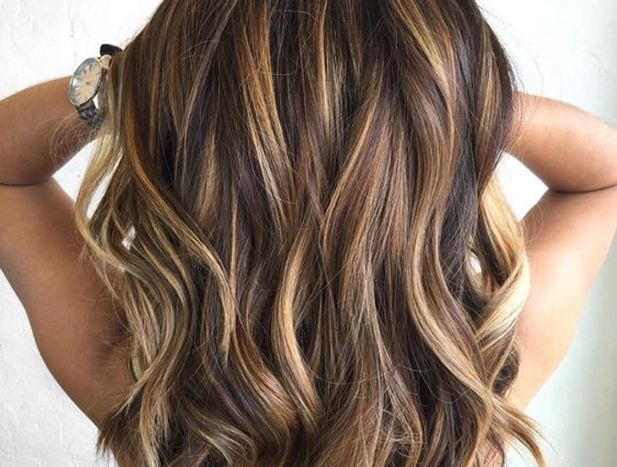 6.-Balayage-Chocolate-and-Caramel-Hair-C
