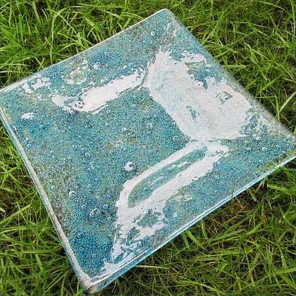 Glass bubble plate
