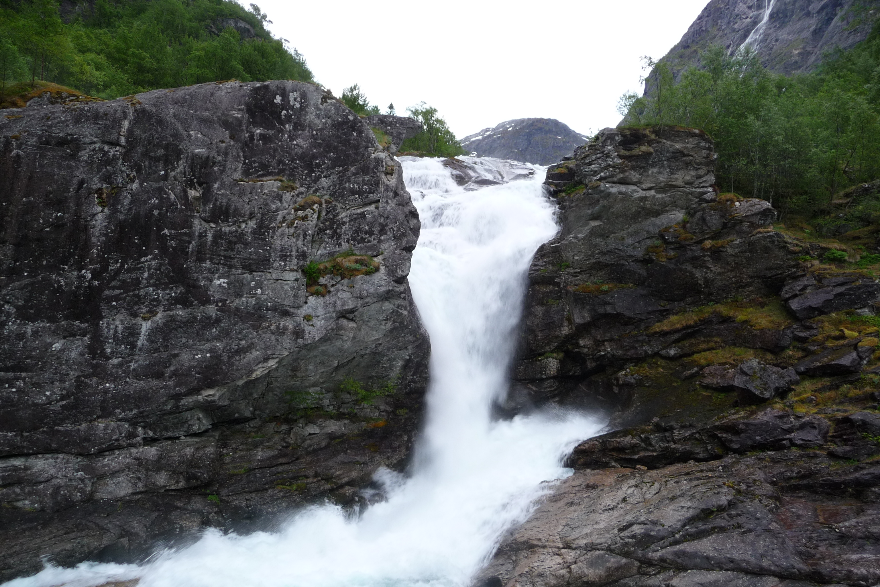 Main Page picture 11 waterfall