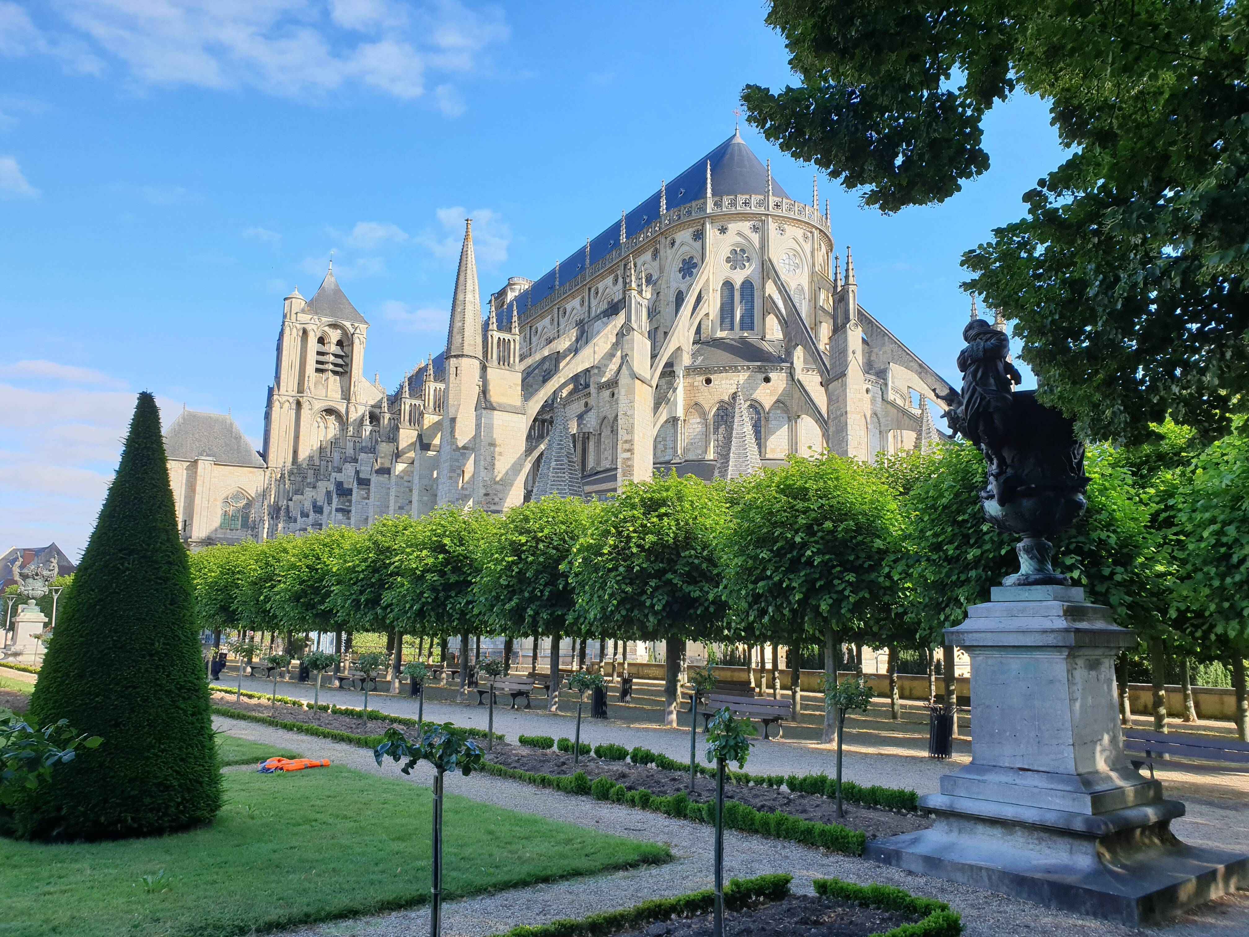 20200619_083814 bourges