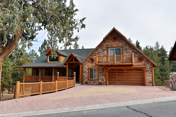 Wooden, the log houses on the mountain s