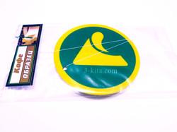9avtomobilnye-aromatizatory-s-logotipom-