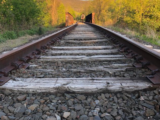 Beacon train tracks