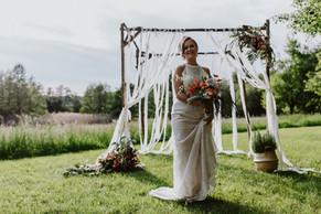 Braut Isi und der Traubogen