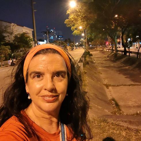 Gabriela canal de noche.jpg