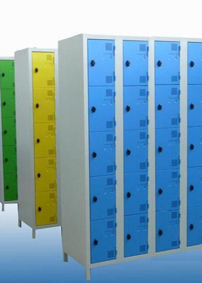 vestiaire métallique CABSAN,casiers métalliques CABSAN et cabines sanitaire