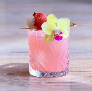 Fashionable cocktails.