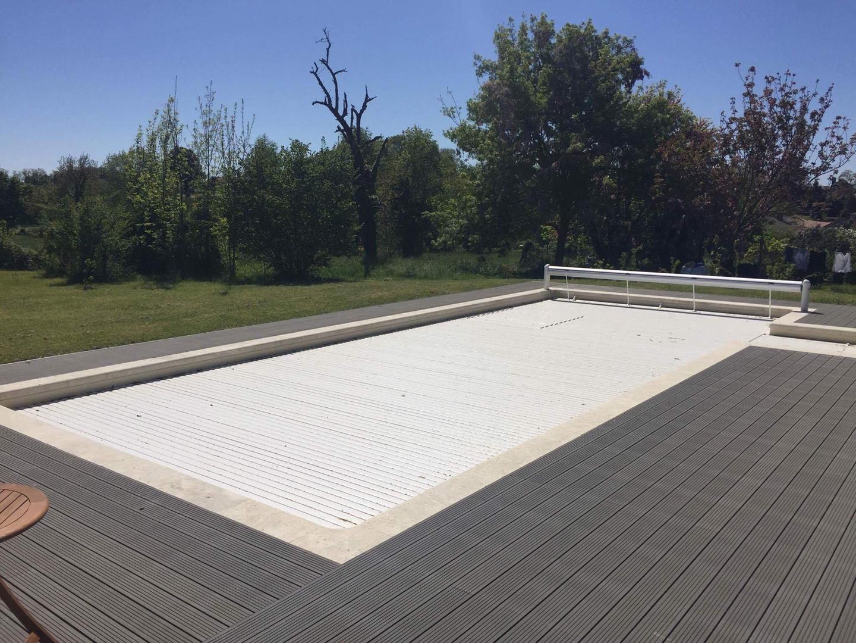 Pool_decking.jpg