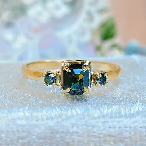Rare Natural Teal-Blue Diamonds Art Deco style solid Gold ring