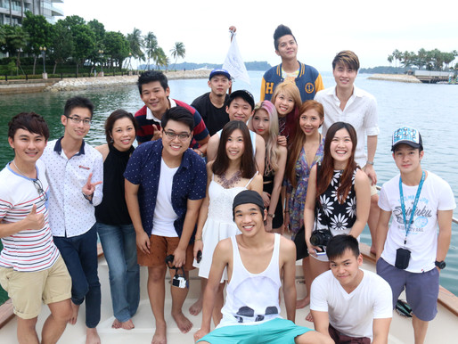 White Sails yacht sail-out to Lazarus Island, together with TIN Celeb Bloggers and delicious food ca