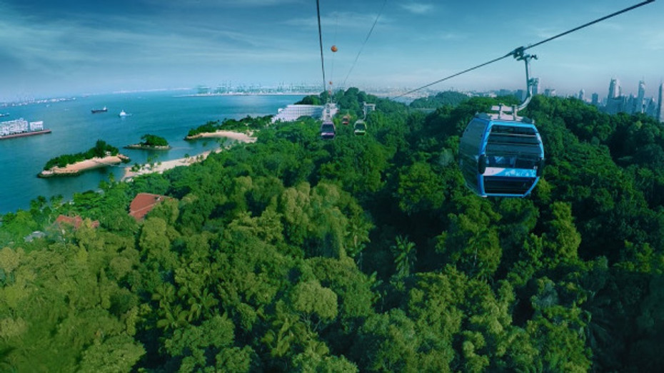 Cable Car Sky Network - Sentosa Line greenery
