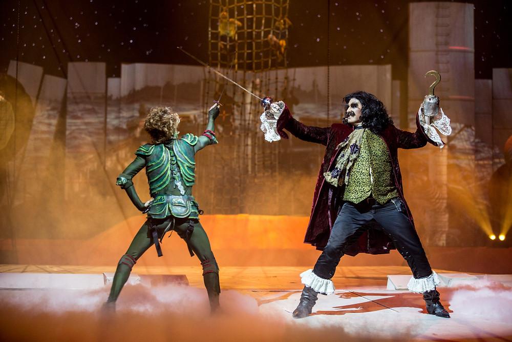 Peter Pan & Hook - Photographer Leslie Artamonow (3)