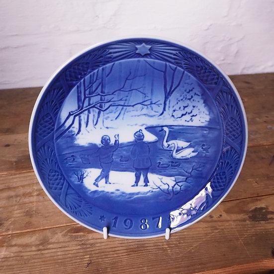 1987 Royal Copenhagen Winterbirds Plate