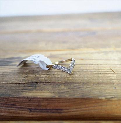 9ct Gold Chevron Diamond ring