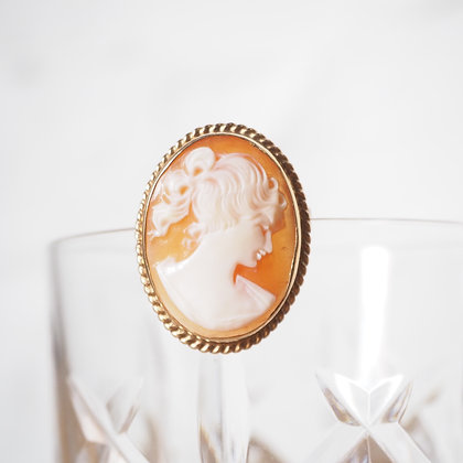Victorian Antique Cameo Brooch / Pendant 9ct Gold