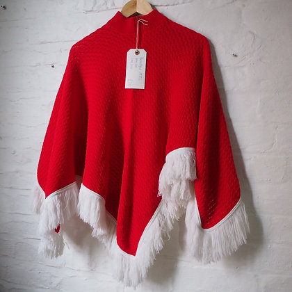 1970s Festive Red and White Christmas Knitted Poncho