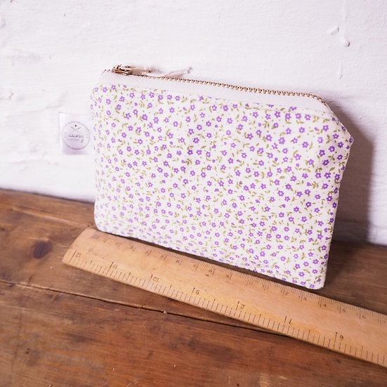 Vintage Fabric Ditsy Floral Print Coin Purse.