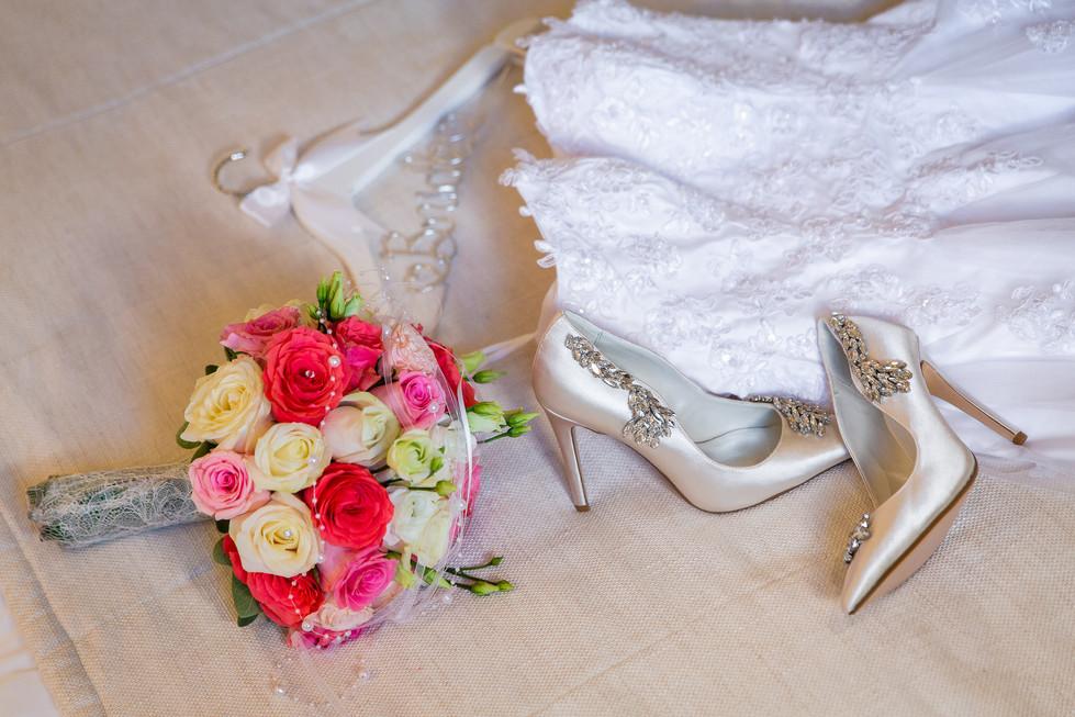 Brautstrauß Brautkleid Hochzeitskleid Brautschuhe Europäischer Hof in Heidelberg