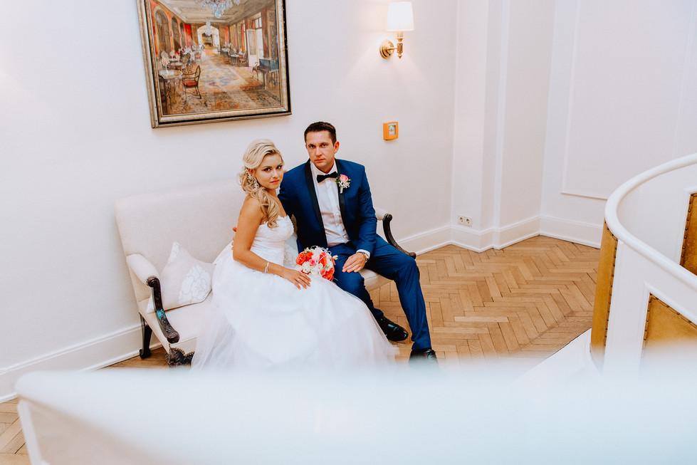 Braut und Bräutigam beim Shooting im Europischem Hof in Heidelberg