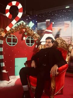 Ο Αργύρης Πανταζάρας βλέπει αλλιώς τα Χριστούγεννα!